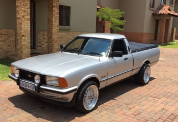 FORD CORTINA P100 FOR SALE