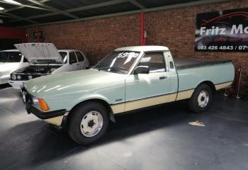 Ford Cortina P100 3.0 V6