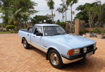 Ford Cortina P100 3.0 V6 - 5 Speed